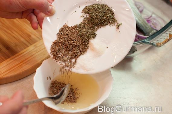 тмин, сушёный тимьян, розмарин, орегано, соль, чеснок